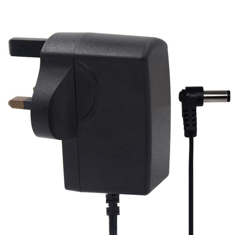 插墙式电源适配器