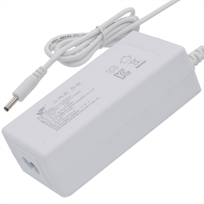 韩国电源适配器